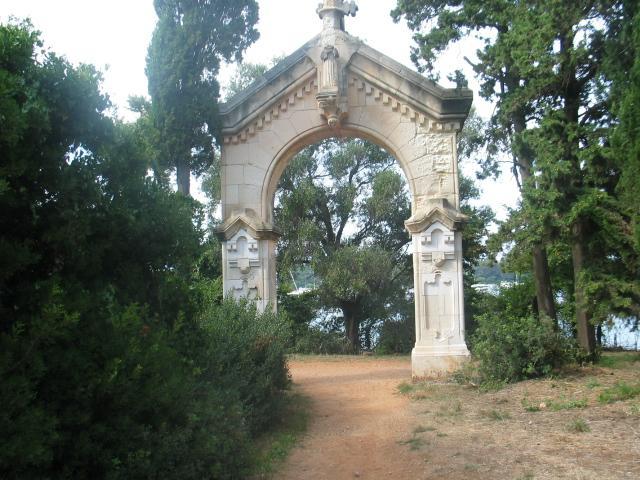 L'entrée de l'île de St Honorat