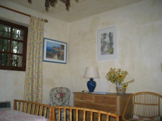 villa proven ale et chambres soign es. Black Bedroom Furniture Sets. Home Design Ideas
