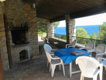 Le Barbecue sur la terrasse couverte