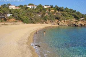 La plage à 200m de la villa